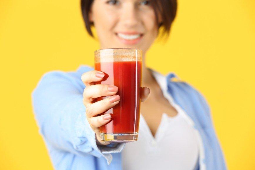 Польза томатного сока для женского организма