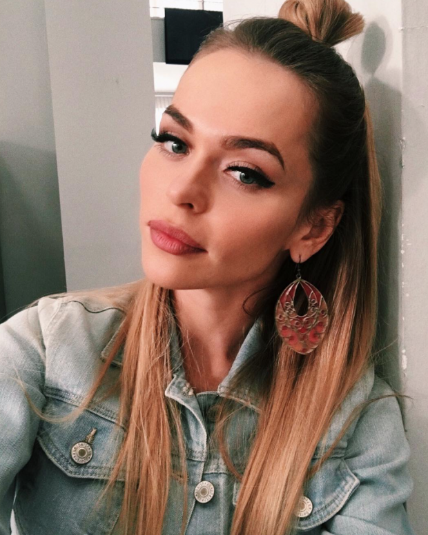 Скулы Анны Хилькевич