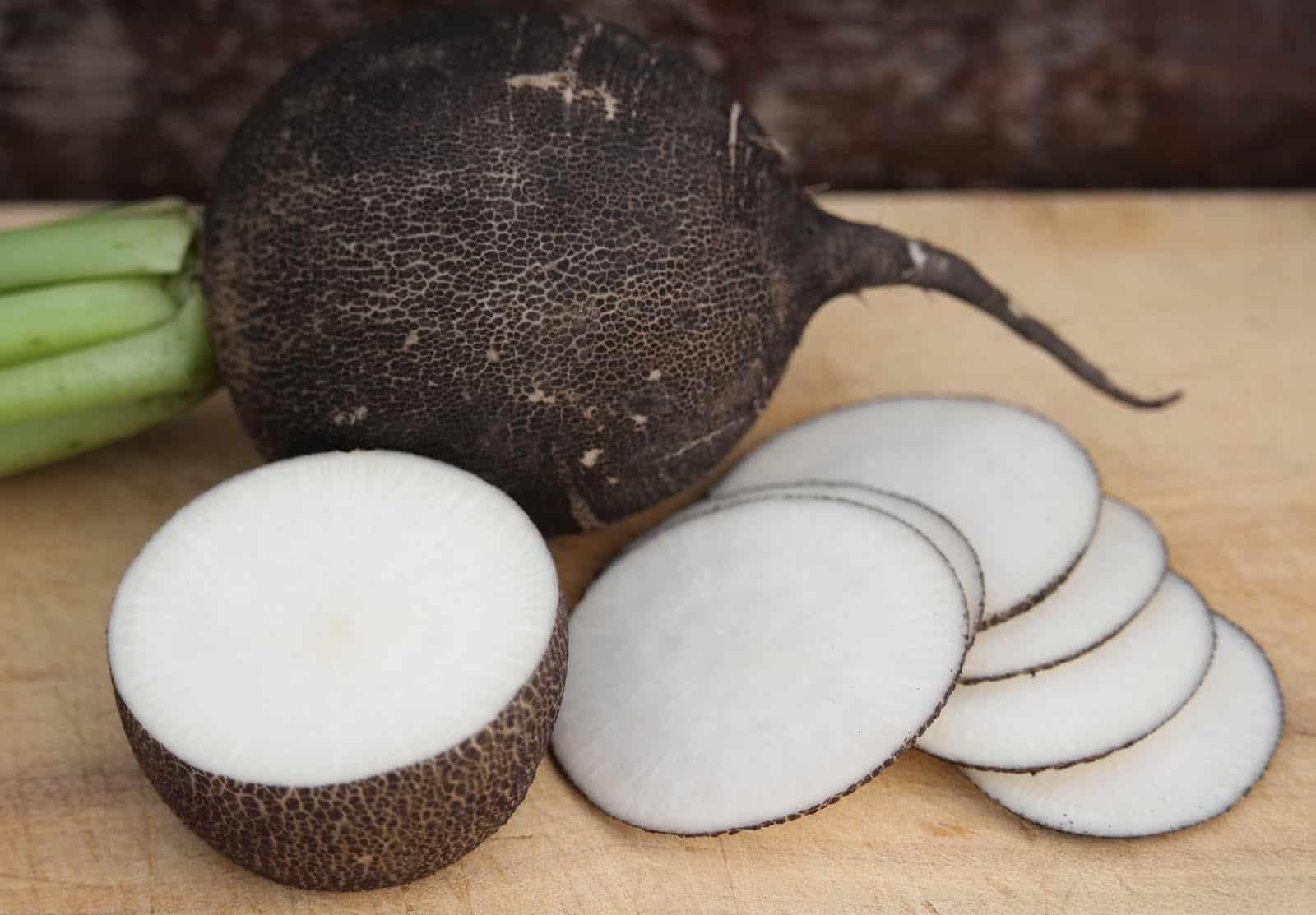 Топ-10 продуктов, которые вызывают неприятный запах тела
