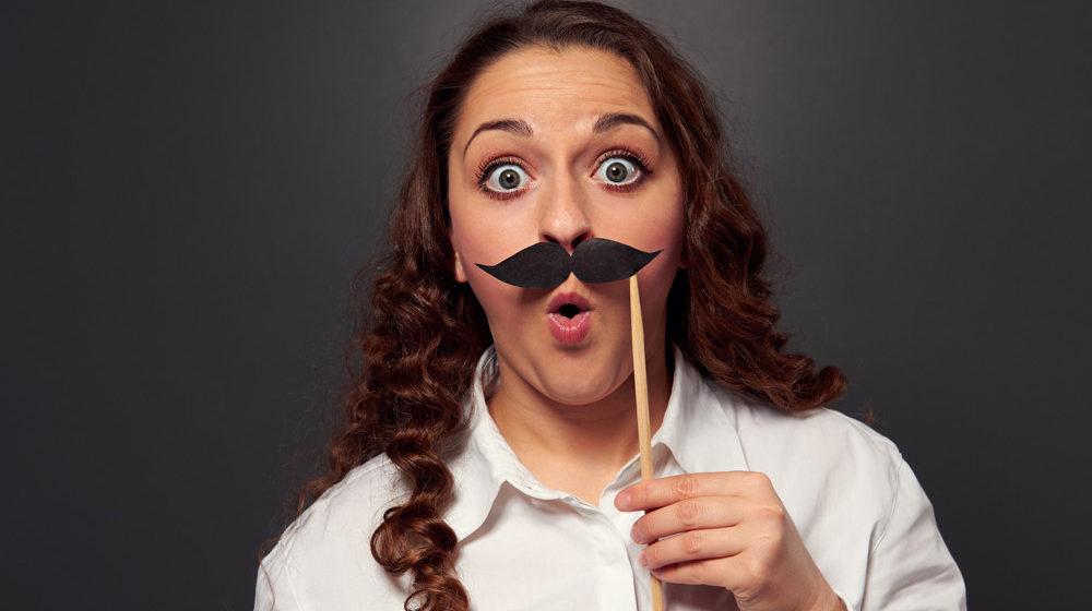 5 гормональных нарушений, приводящих к появлению волос на лице у женщины
