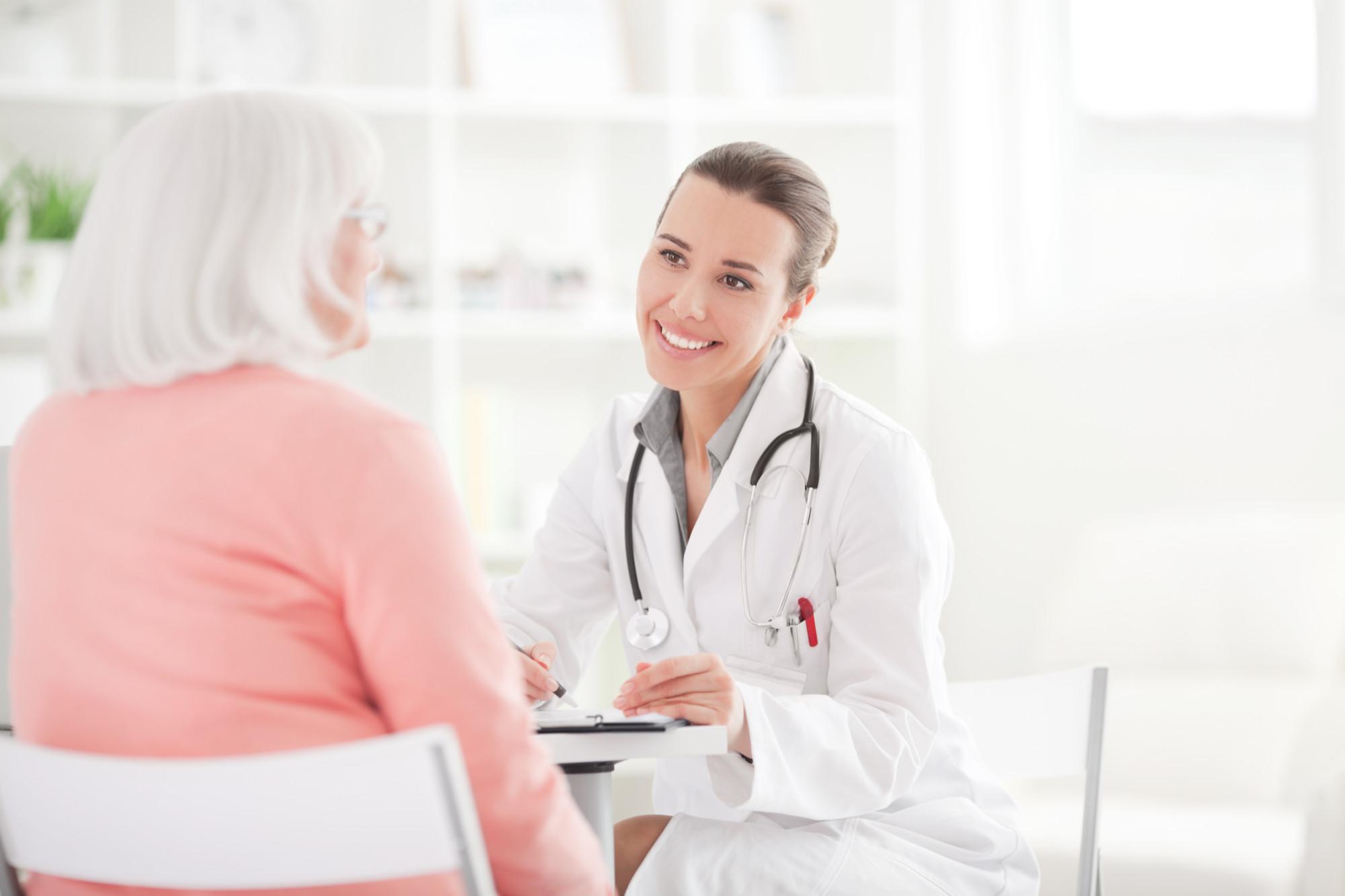 8 врачей, которых женщинам за 40 нужно посещать хотя бы раз в год