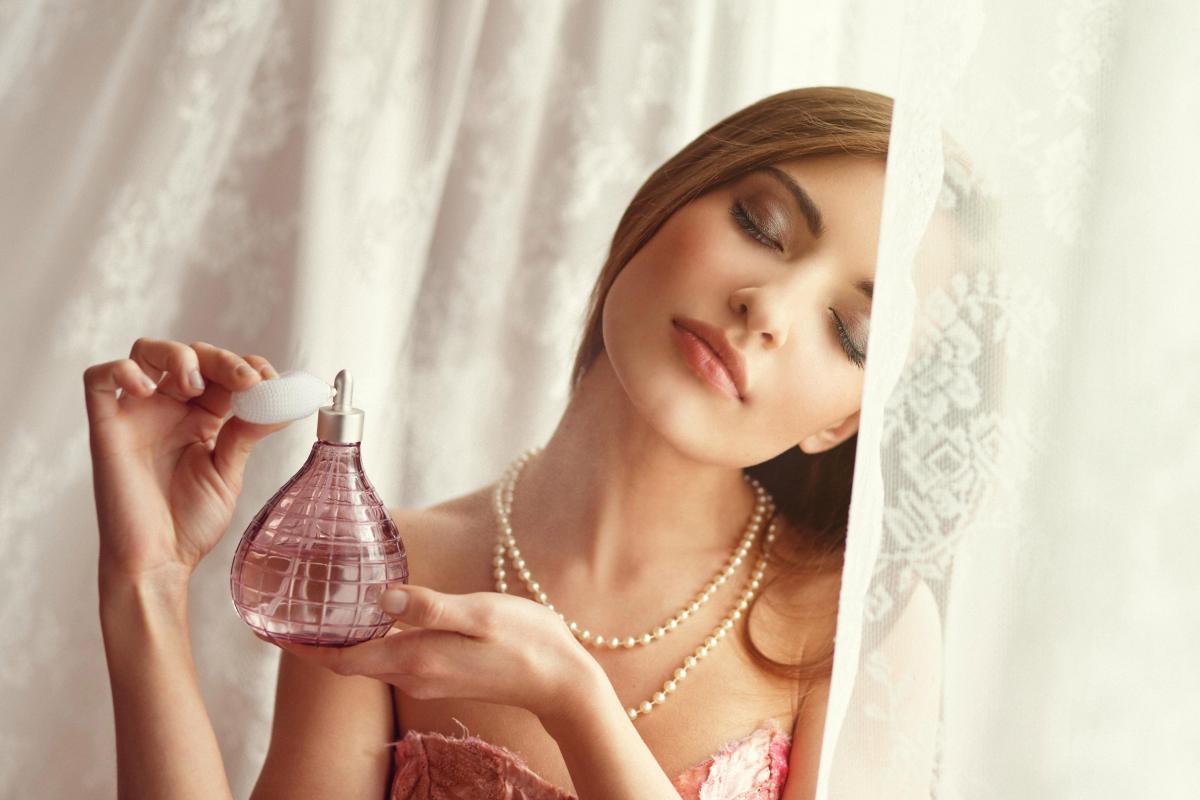 Простой трюк помогает закрепить аромат духов на целый день