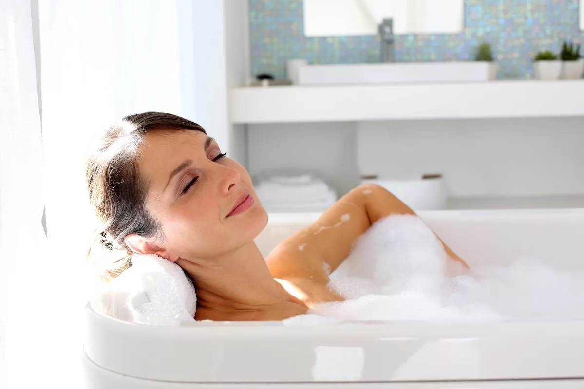 «Горячее» оздоровление: как теплая ванна влияет на наш организм