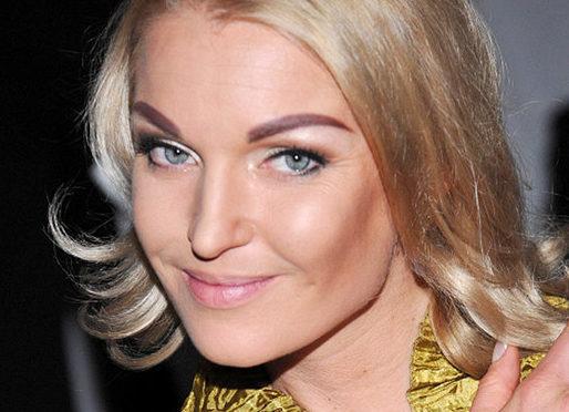 Это печально: 8 знаменитостей с неудачным перманентным макияжем