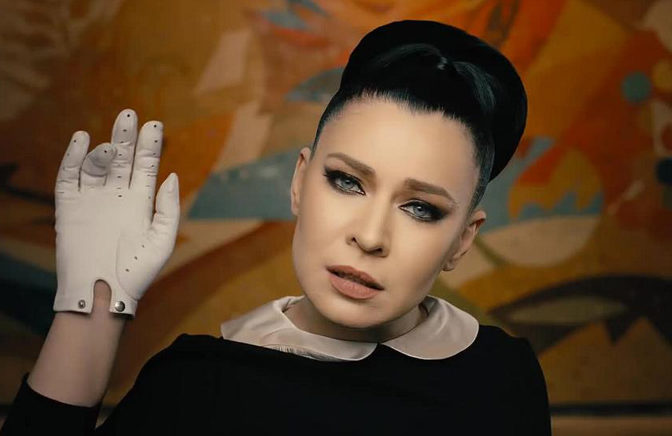 Удивительная женщина: 5 секретов красоты певицы Елки