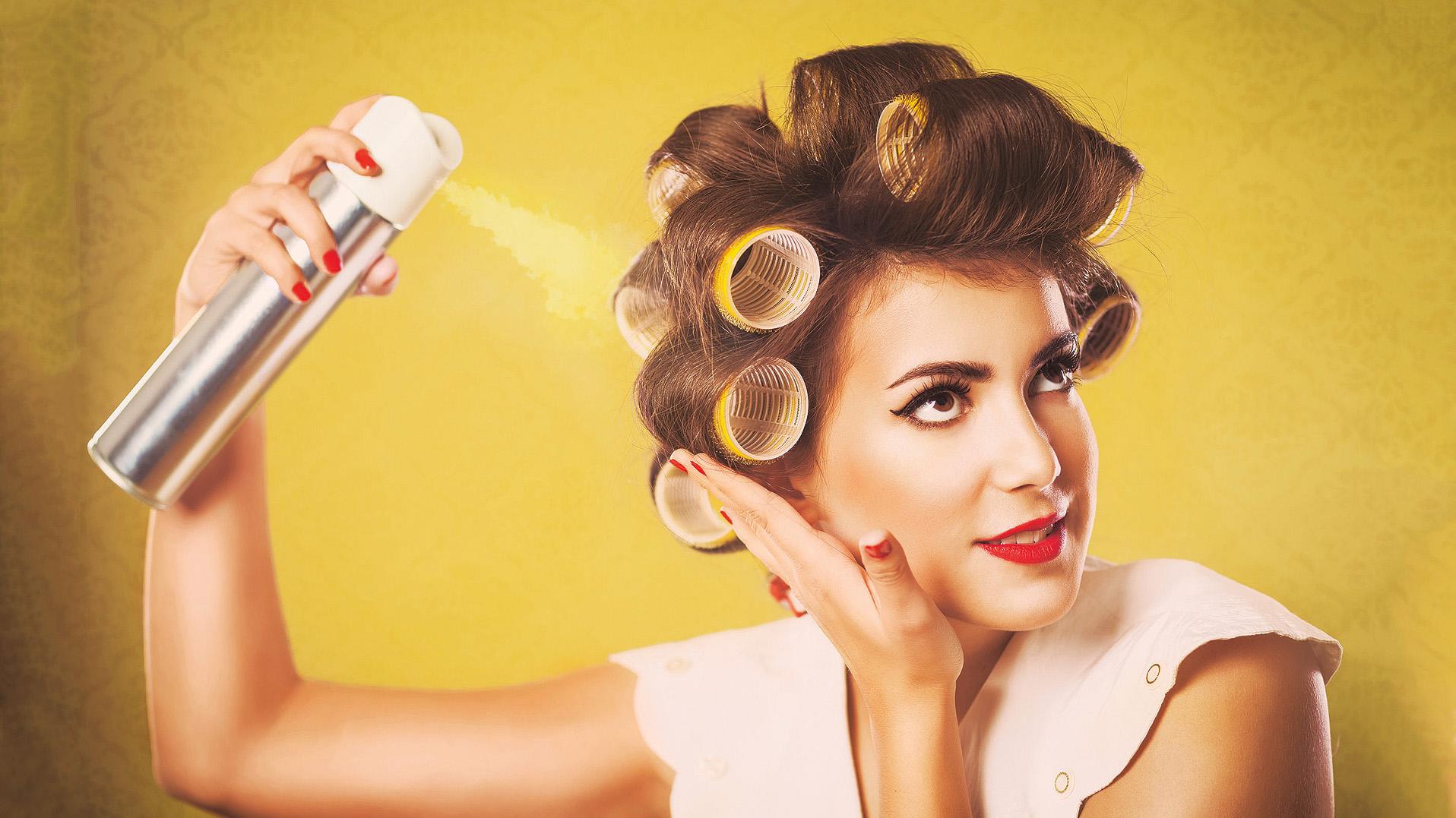 4 частые ошибки в использовании лака для волос, из-за которых страдает ваша прическа