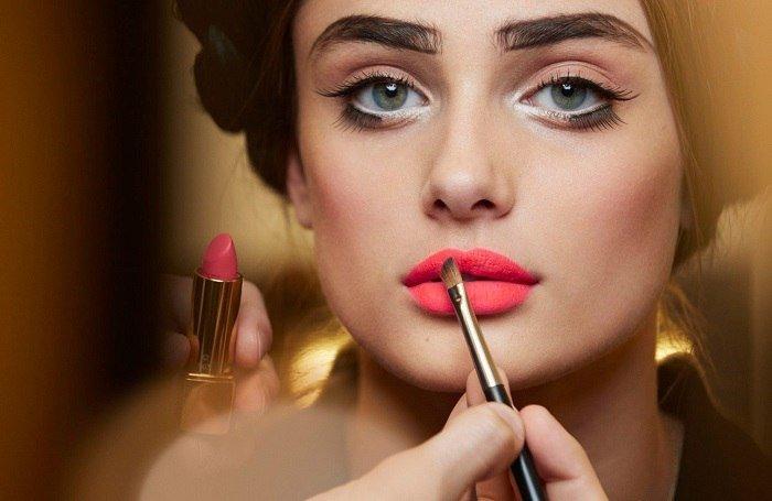 Необычные тенденции в мире красоты, которые идут не всем
