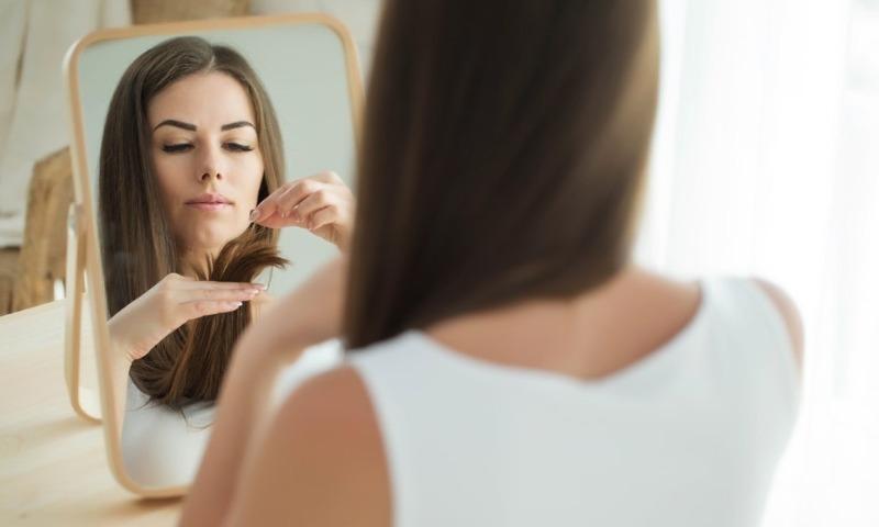 Спасаем прическу: 5 действенных народных средств от выпадения волос