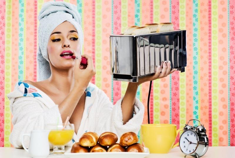 7 советов, которые помогут быстро накраситься утром и никуда не опоздать