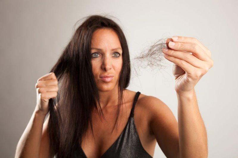 10 ошибок, которые сильно вредят волосам в холодное время года