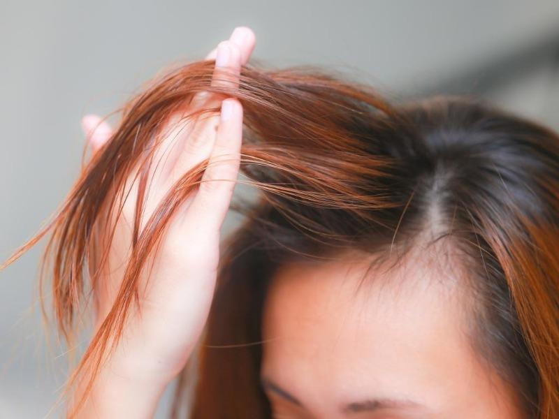 5 способов скрыть отросшие корни, если вы не успеваете покрасить волосы