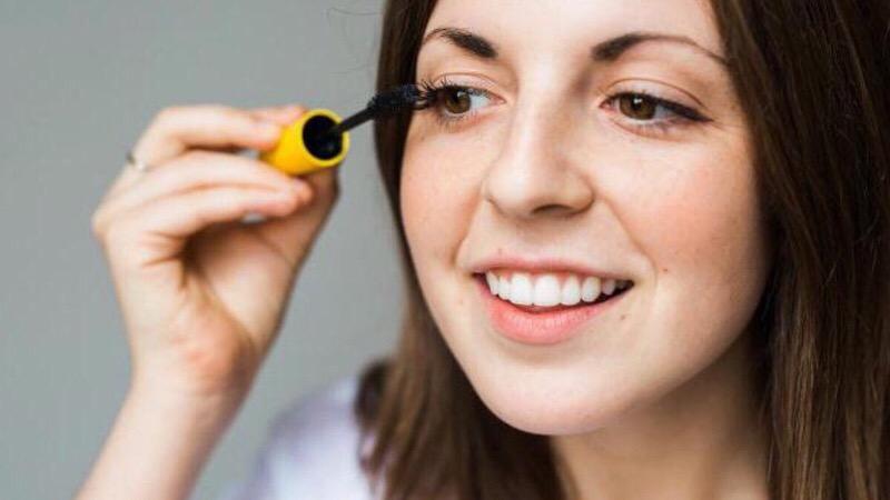 10 удивительных фактов о туши для ресниц, которые косметологи скрывают о нас