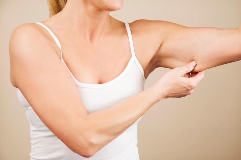 Обвисшим рукам – бой: 5 упражнений, чтобы подтянуть мышцы