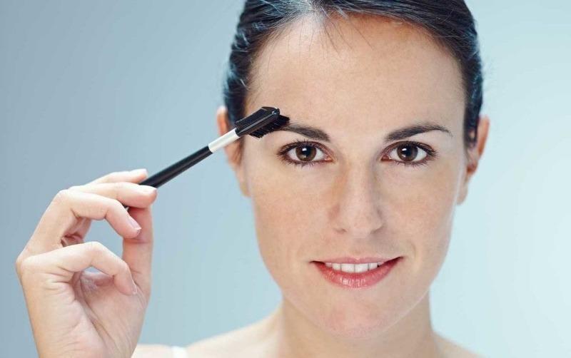 6 типичных ошибок оформления бровей, которые вас старят
