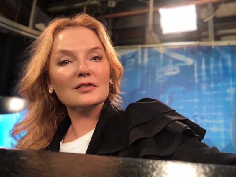 В погоне за идеалом: 5 российских звезд, которые решились на круговую подтяжку лица и не пожалели