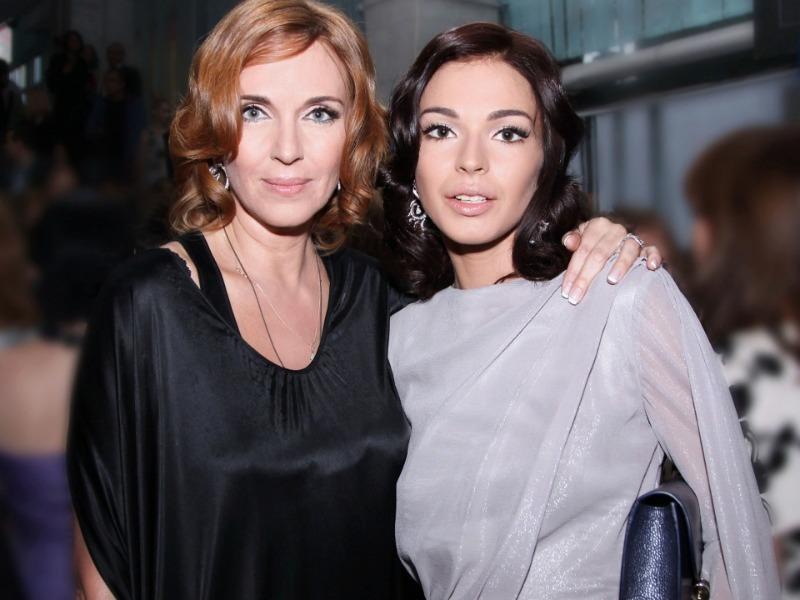 Как выглядят самые красивые и молодые мамы российских знаменитостей