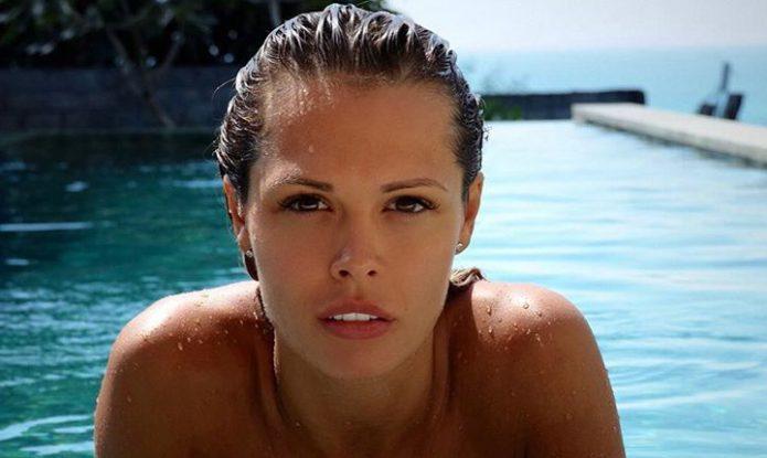 Мария Горбань в бассейне