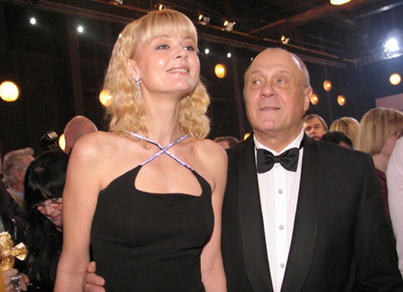 Юлия Меньшова вспомнила детство на передаче в честь её отца Владимира Меньшова