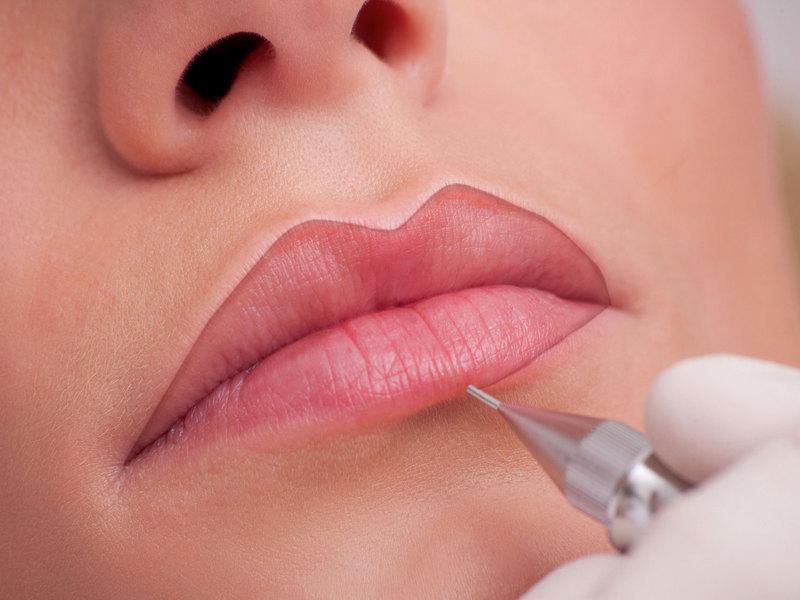 Как проводится татуаж губ