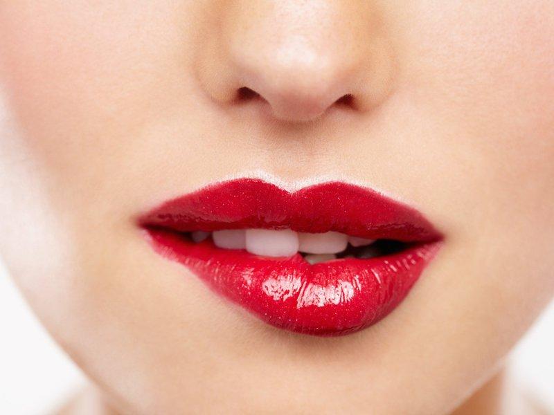 Преимущества татуажа губ