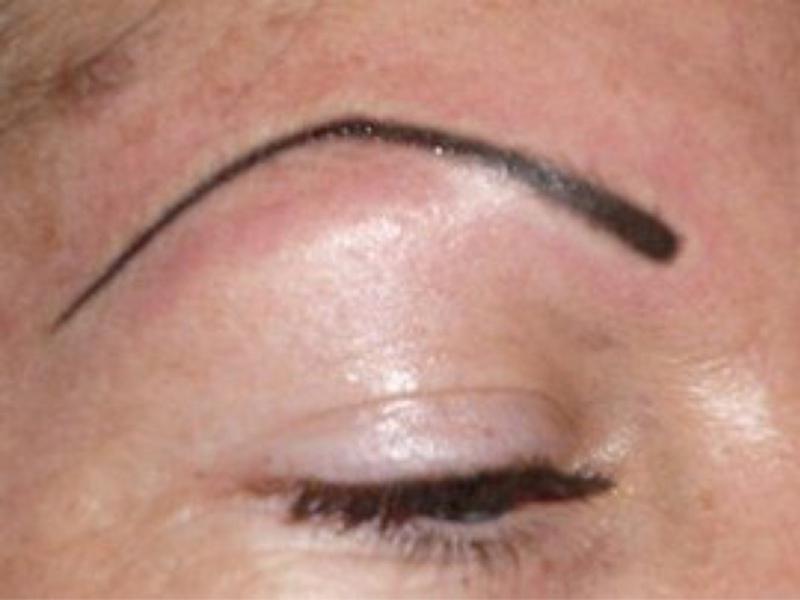 Неудачный перманентный макияж псевдо мастеров.