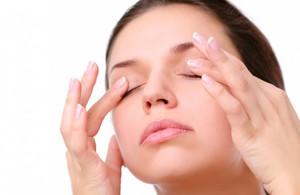 Убрать мешки под глазами без операции