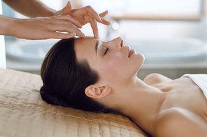 Как воздействует массаж лица на кожу