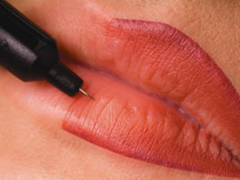 Сколько времени заживают губы после перманентного макияжа